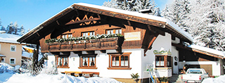 Holiday homes and ski chalets on piste in Austria